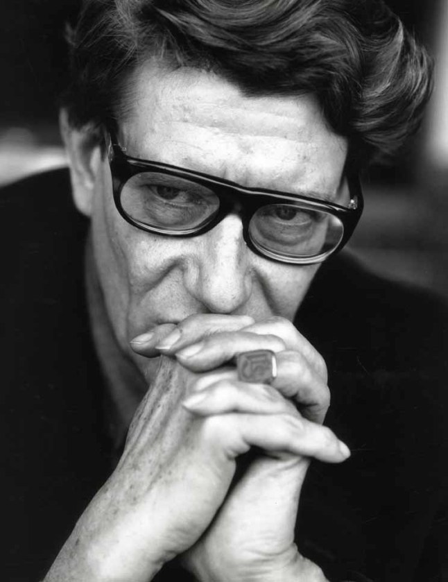 >Frase de Yves Saint Laurent