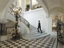 shangri-la-hotel-paris-un-palais-d-histoires-et-de-luxe-1-970xh