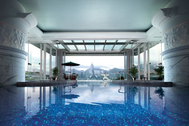 the-peninsula-hong-kong-pool