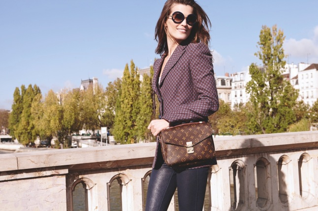 BIG-Louis-Vuitton-Iconic-Mini-Bags-on-the-Coolest-Girls-4