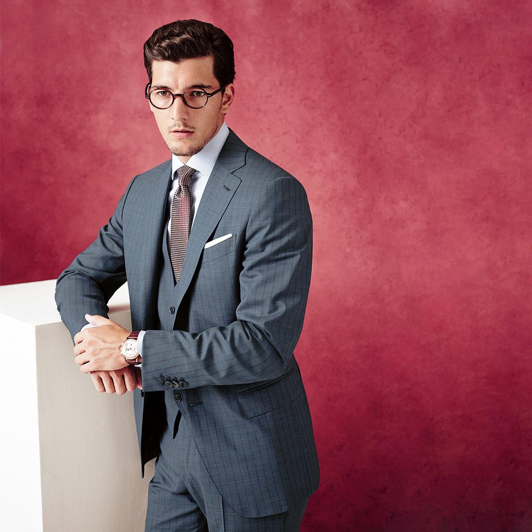 Un hombre en traje representa el establishment – IMAGEN QUE GENERA VALOR