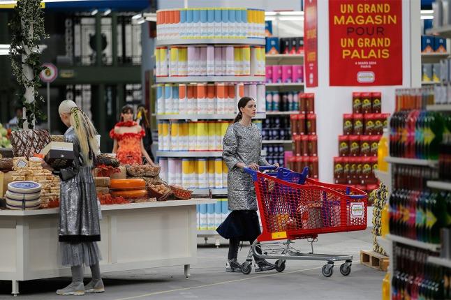 Chanel convierte una visita al supermercado en una experiencia chic