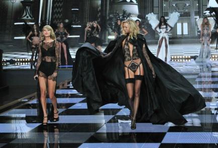 el_desfile_mas_sexy_del_mundo_victorias_secret_show_2014_38486141_1200x813