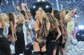 el_desfile_mas_sexy_del_mundo_victorias_secret_show_2014_592105583_1200x799