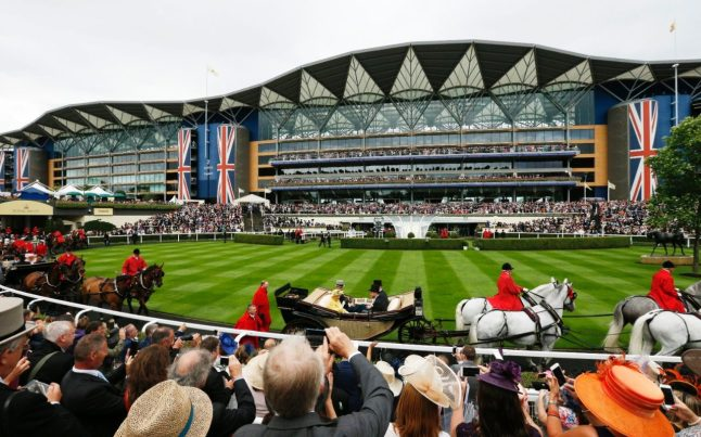 100657735_Britain_Horse_Racing_-_Royal_Ascot_-_Ascot_Racecourse_-_14-6-16__General_view_as_Britain27s-xlarge_trans++ZgEkZX3M936N5BQK4Va8RWtT0gK_6EfZT336f62EI5U